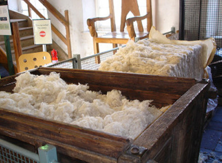 Dry Wool Scouring